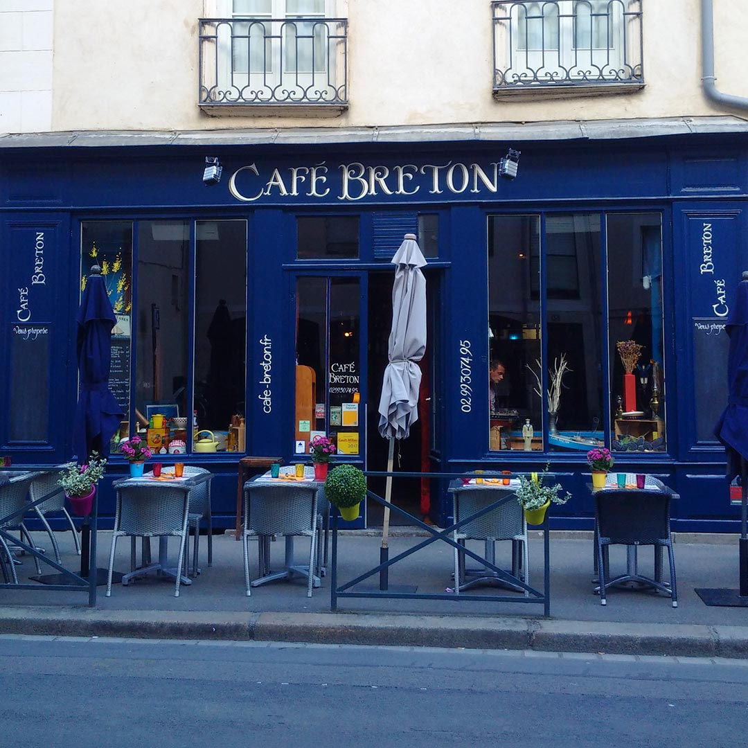 06-lettres-peintes-restaurant-cafe-breton-peintre-en-lettres-rennes
